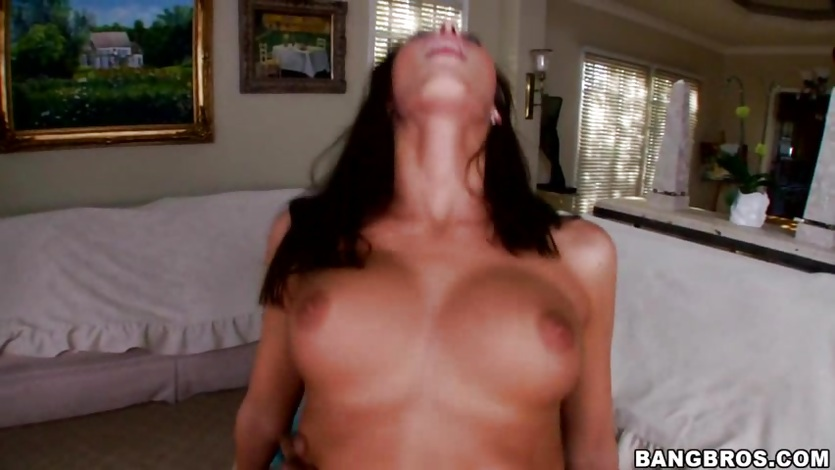 Angelica Saige bounces her pussy on this hard dick