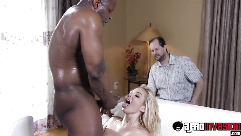 Blonde bitch Aaliyah Love cuckolds her husband with BBC