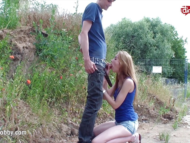 My Dirty Hobby – Quick outdoor fuck and sticky facial
