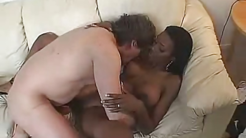 Scorching black wife feeds her mouth with a neaty white pole and loves it