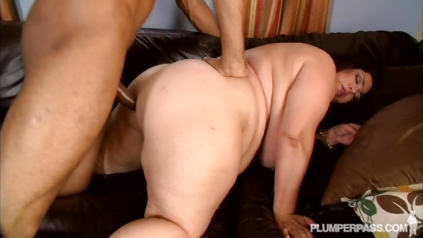 Fat BBW Latina MILF Takes Big Black Cock in Her Ass
