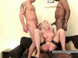 Blonde MILF Viktoria Redd gets her ass fucked in a gangbang