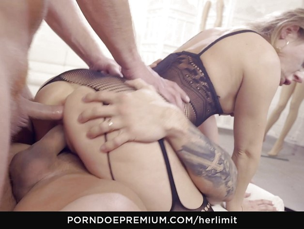 Hot brutal anal threesome with hot blondie