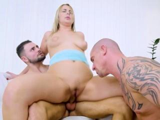 Nikki Dream and Jeffrey pleasing Max